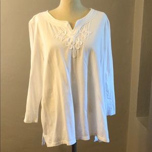 Ladies White 3/4 sleeve tee
